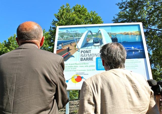 Etude de la future arrivée du Pont sur la rive gauche du Rhône. A l'arrière plan, le futur musée des Confluences © DR