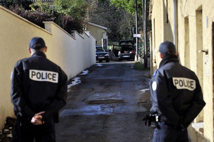 Policier tué à Chambéry: Claude Guéant parle d'un assassinat