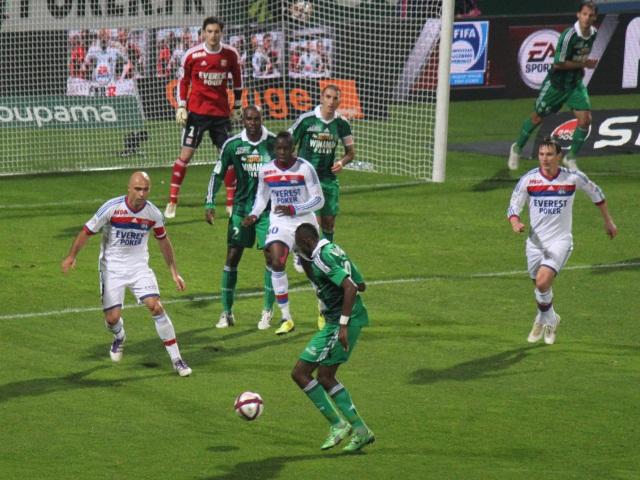 Le Chaudron plein à craquer pour le derby St-Etienne - Lyon