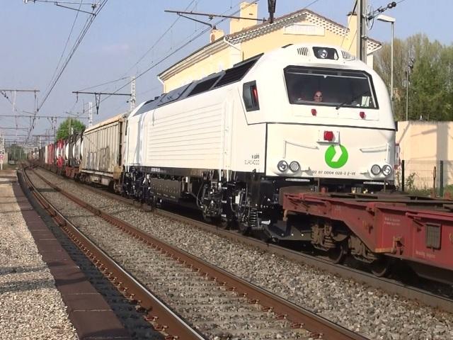 Le plus long train de marchandises d'Europe réussit sa deuxième batterie de tests entre Sibelin (Rhône) et Nîmes