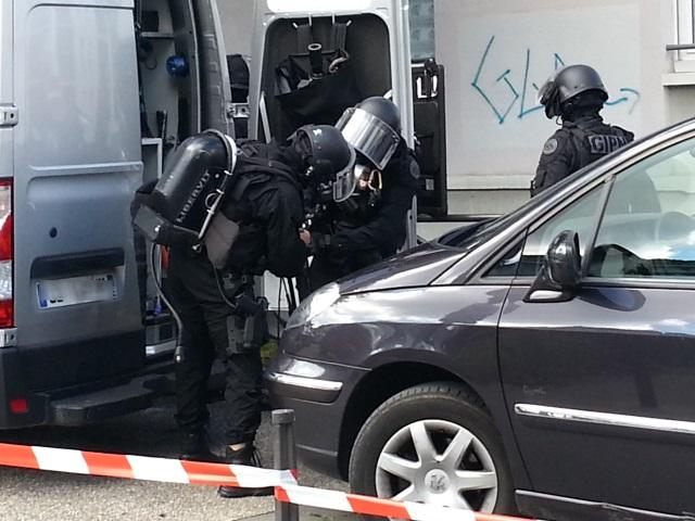 Désamorçage d'une bombe à Vénissieux : des habitants évacués, d'autres confinés