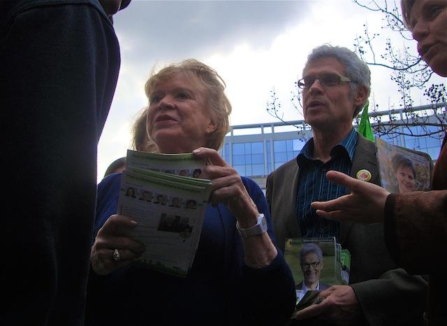 Eva Joly est restée aux portes de l'usine Bosch de Vénissieux