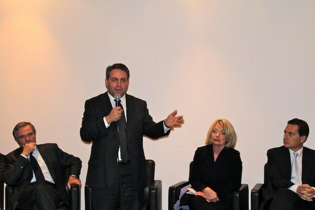 Xavier Bertrand : « Je crois plus au Grand Chelem de l'équipe de France du rugby qu'à celui des socialistes »