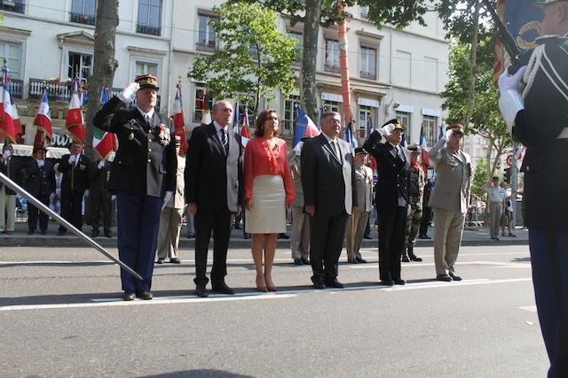 14 Juillet : Le défilé militaire de Lyon s'est déroulé mardi soir cours Franklin Roosevelt