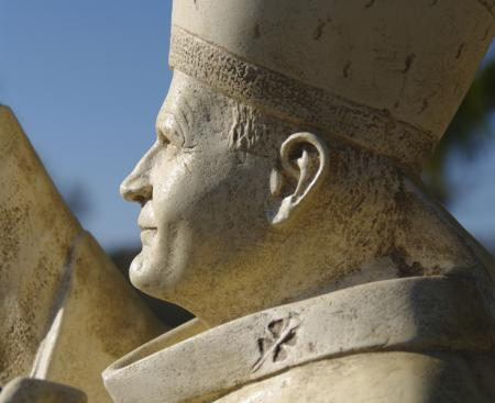 Une statue de Jean-Paul II à Fourvière