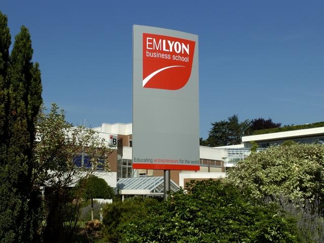 L'EM Lyon 4e du classement des écoles de commerce Grade Master