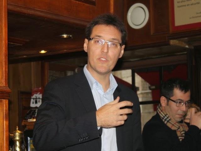 """Municipales à Lyon : """"une campagne low-cost mais originale"""" pour Eric Lafond"""