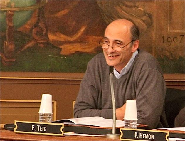 Etienne Tête demande à OSEO de ne pas financer le Grand Stade de l'OL