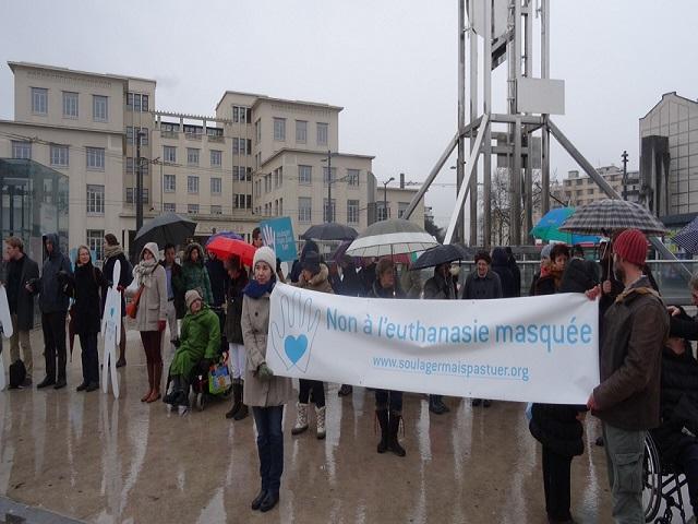 Mobilisation à Lyon du mouvement «soulager mais pas tuer»