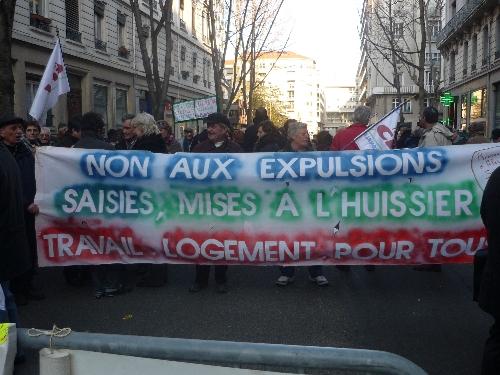Le  Réseau éducation sans frontières manifeste à Lyon