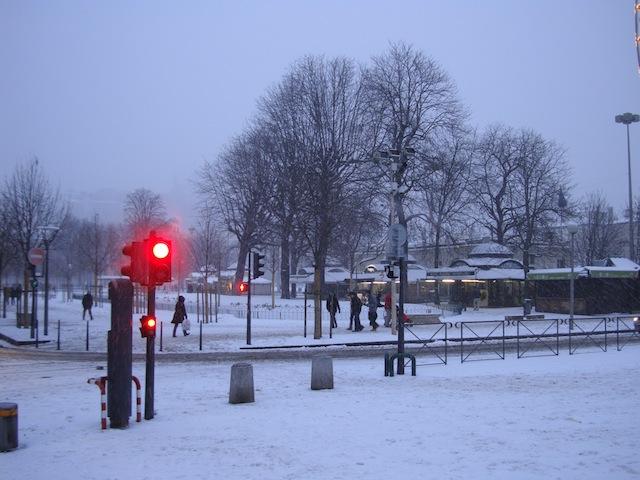 Neige à Lyon: situation encore difficile ce dimanche