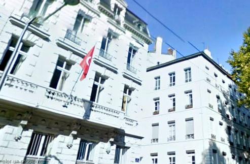Une manifestation devant le consulat de Tunisie à Lyon