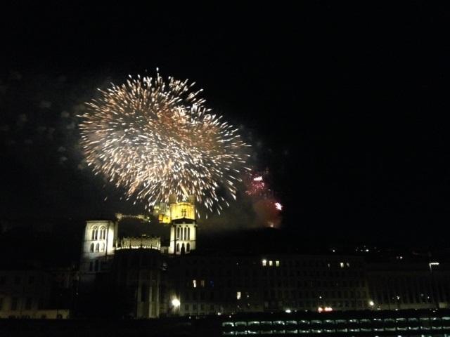 """Feu d'artifice du 14 juillet à Lyon : """"Les couleurs de la lumière"""" vont illuminer le ciel !"""