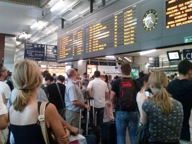 Trafic perturbé sur la ligne SNCF Lyon-Grenoble à cause d'une manifestation