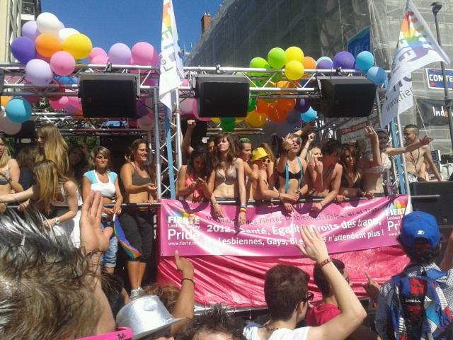 Marche des fiertés LGBT à Lyon : un parcours en centre-ville en 2015 !