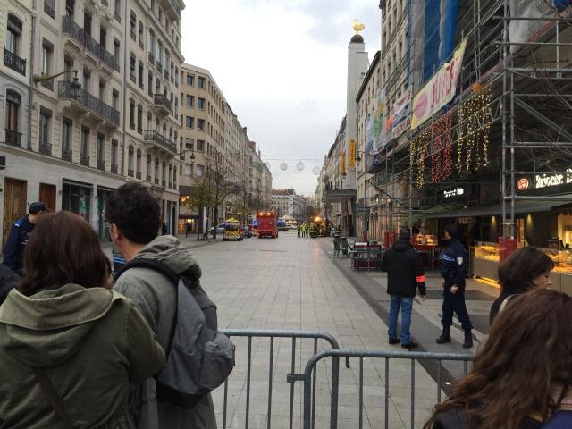 Lyon : une alerte au gaz a entraîné dimanche après-midi l'évacuation de la rue de la Ré