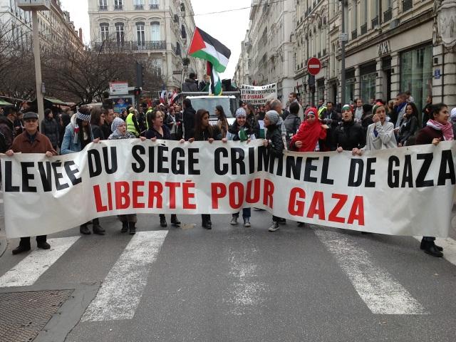 Près de 1000 personnes rassemblées à Lyon en soutien à Gaza