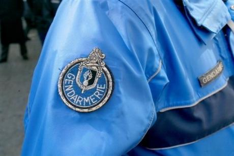 """""""Bonnes fêtes à tous"""" : les braqueurs rendent les paquets destinés aux policiers"""