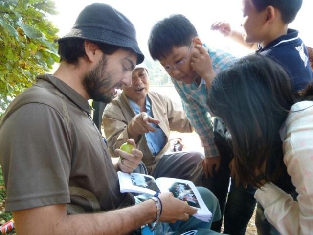 """Les """"globe-croqueurs"""" font découvrir Lyon en Birmanie"""