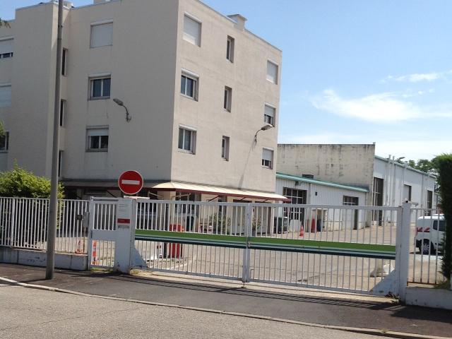 Dépôt du Grand Lyon à Vénissieux où l'agent s'est immolé - Photo Lyonmag.com
