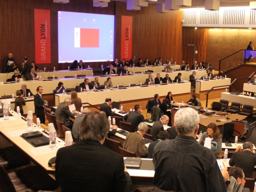 Le Sénat réduit le nombre de conseillers à la Métropole de Lyon