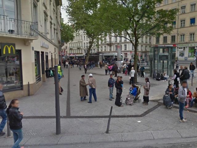 Marché sauvage de la Guillotière : la mairie du 7e envoie des médiateurs