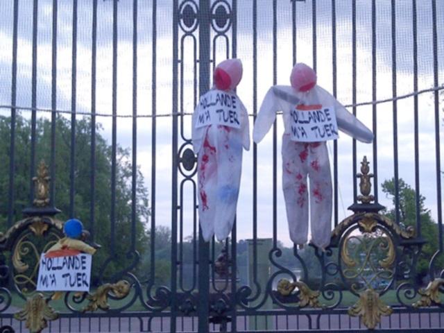 Mariage pour tous : Des mannequins ensanglantés dans différents lieux de Lyon
