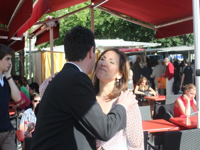 La bise kiss-cool entre Berra et Havard - Lyonmag