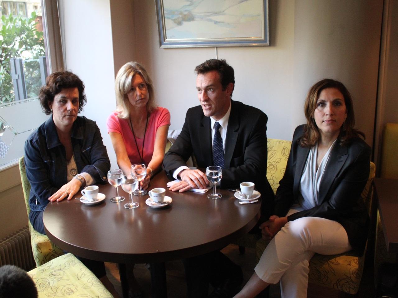 Laure Dagorne, Laurence Balas, Michel Havard et Nora Berra tous derrière l'ancien lieutenant de Sarkozy - LyonMag