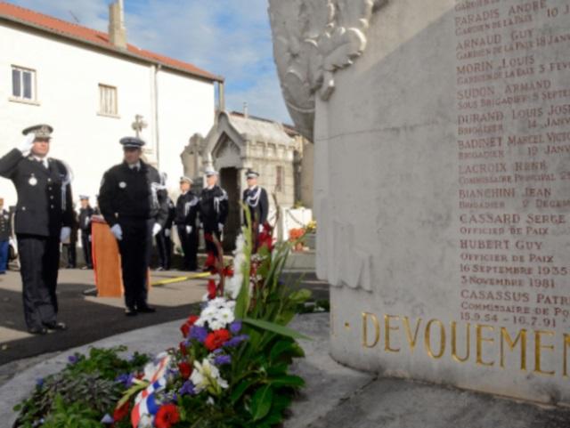 Lyon rendait hommage aux policiers morts pour la France