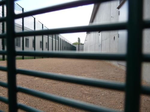 """5739 détenus dans les prisons de Rhône-Alpes : """"on est au bord de la rupture"""""""