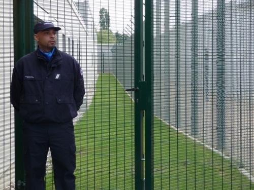 Nouvelle agression de surveillants dans le Rhône