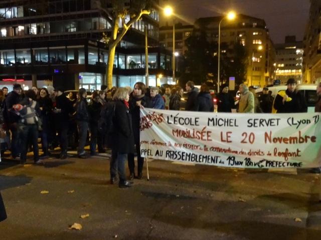Enfants SDF : une cinquantaine de personnes ont manifesté à Lyon