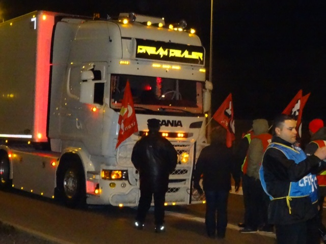 Grève des routiers : le Marché de gros de Corbas bloqué jusqu'à mardi