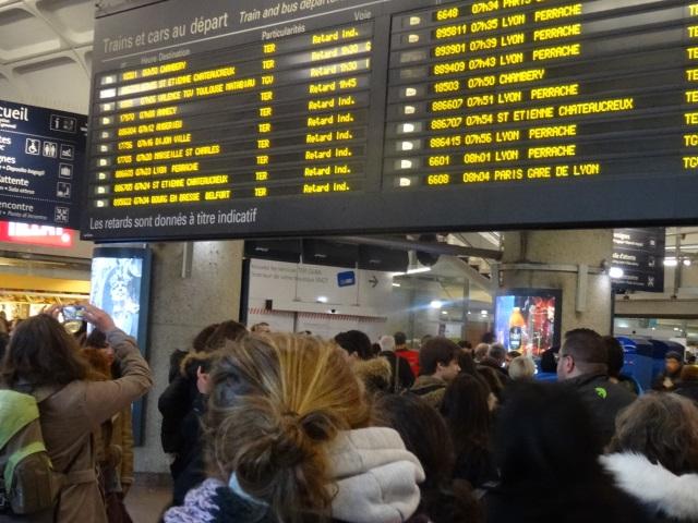 Après la panne d'électricité et la pagaille, la circulation a repris à la gare de Lyon Part-Dieu