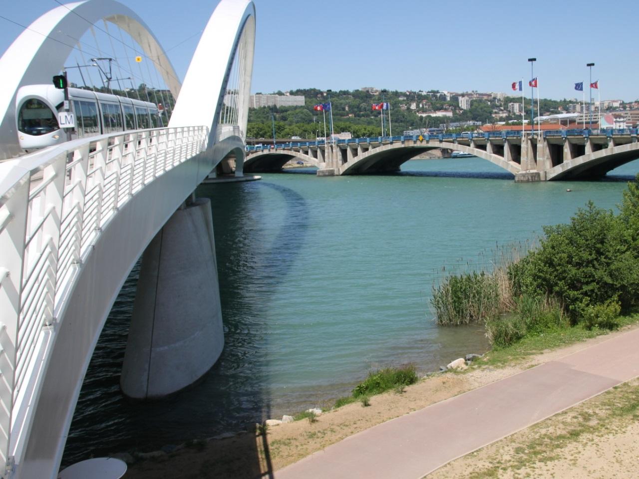 Le corps a été retrouvé dans le Rhône près du pont Raymond-Barre - LyonMag