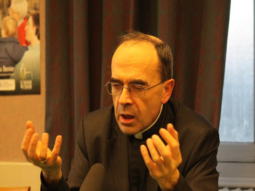 """Le cardinal Barbarin sur le mariage pour tous : """"Ca m'a transformé !"""""""
