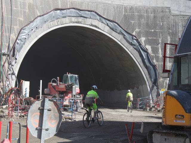 Les ouvriers rejoignent parfois le chantier à vélo - LyonMag.com