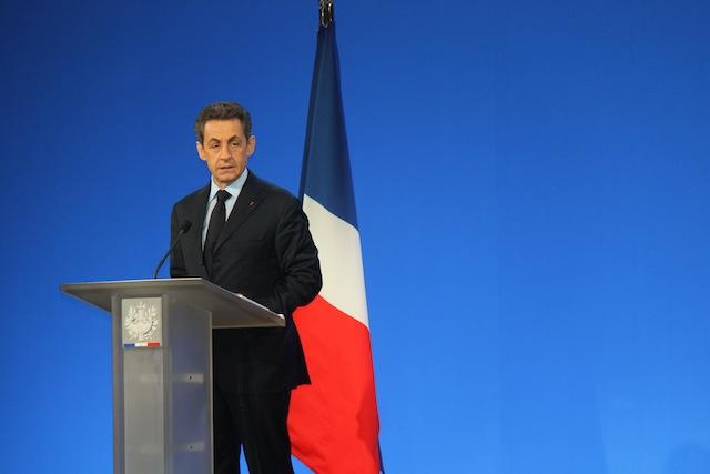 """Sarkozy : """"Je ne laisserai pas tomber les salariées de Lejaby"""""""
