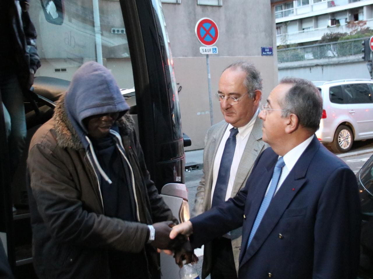 Les migrants étaient accueillis par le préfet du Rhône - LyonMag