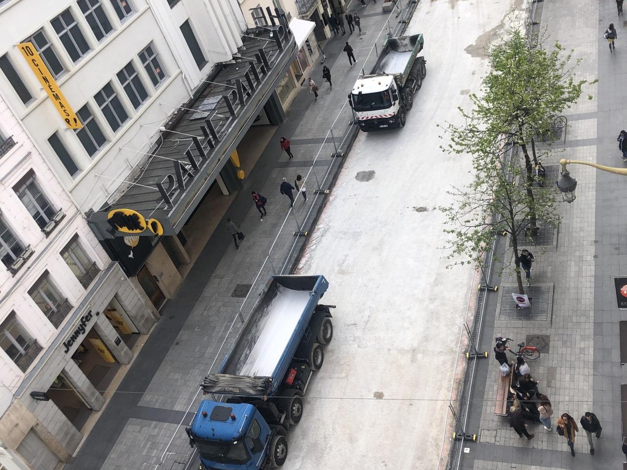 789893d8129 Lyon   une nouvelle chaussée rue de la Ré