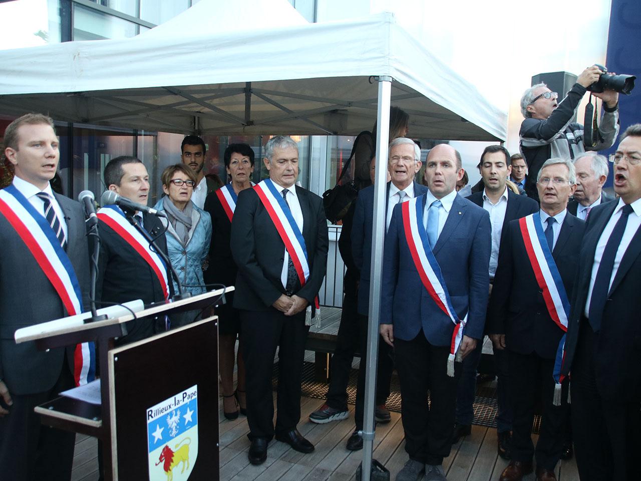 Les officiels lors de la Marseillaise - LyonMag