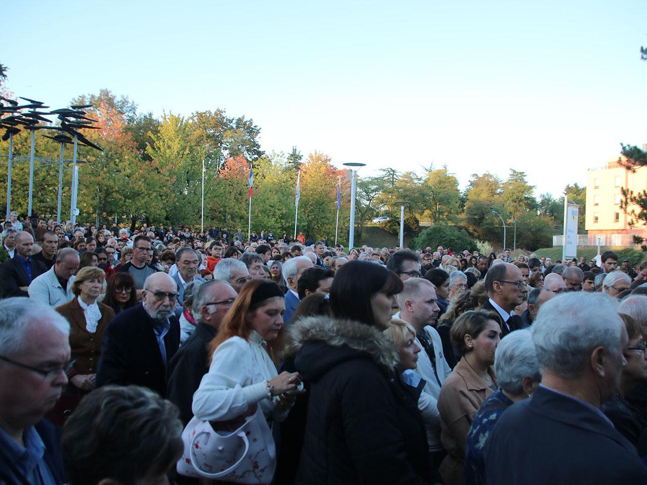Une foule immense pour Laura - LyonMag