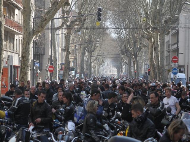 Entre 2500 et 5000 motards ont défilé dans Lyon