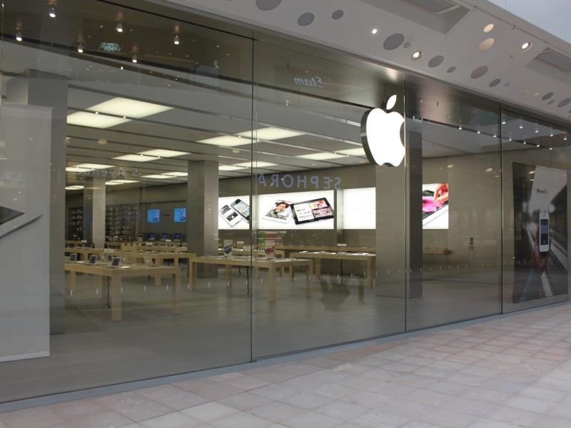 Apple Store de Lyon Confluence : une inauguration à l'américaine (vidéo)