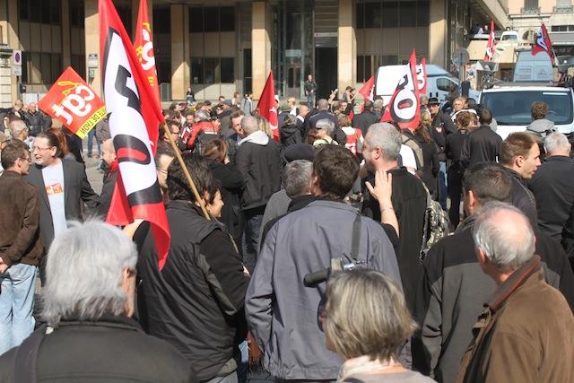 Lyon : 90 éboueurs en colère devant l'Hôtel de ville