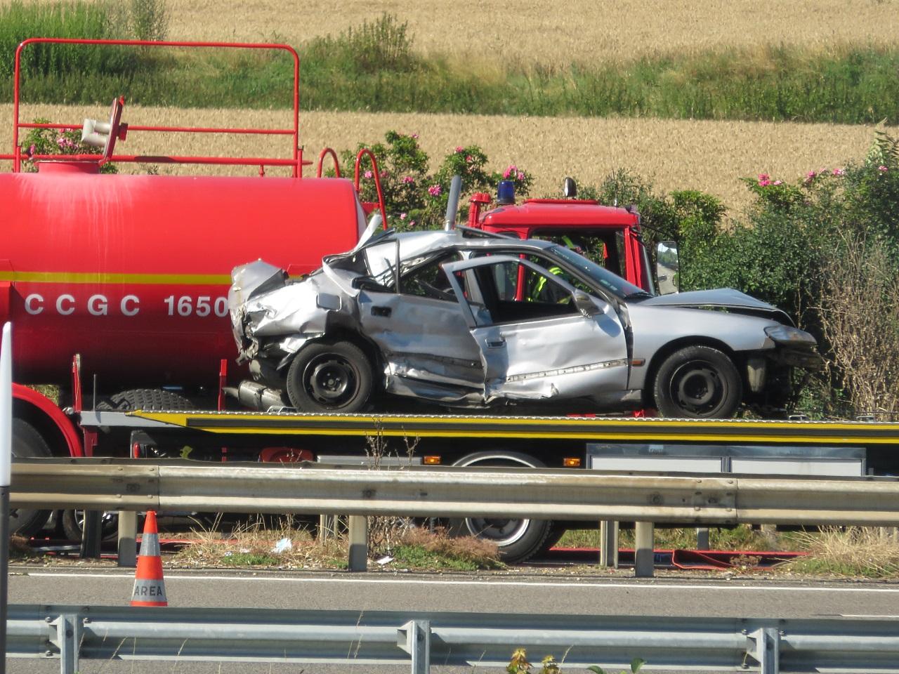 Le véhicule léger remorqué, son conducteur a été légèrement blessé - DR Bruno Brossier