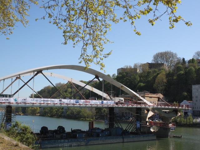 La première travée du pont Schuman a été posée sur ses appuis