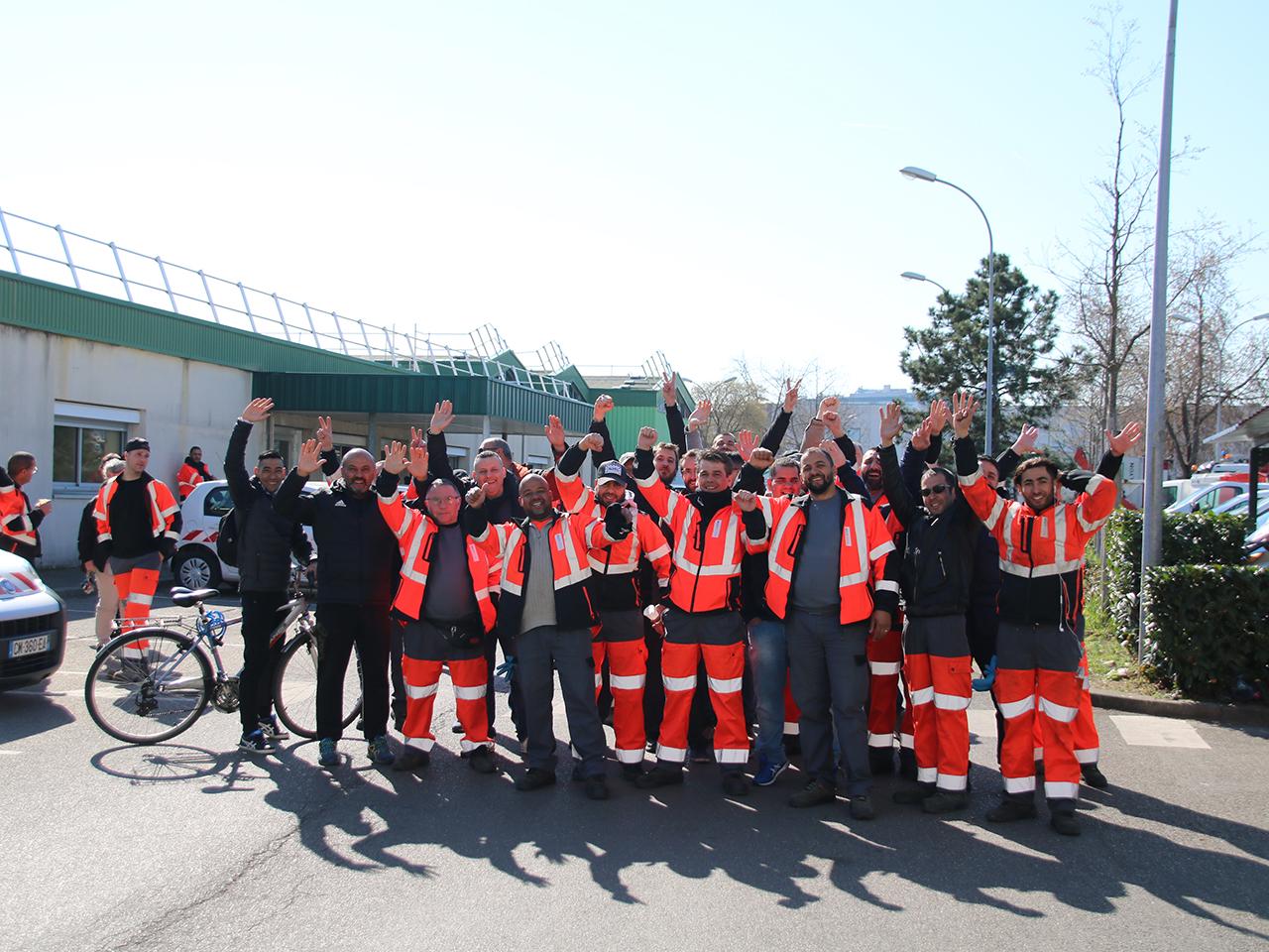 Les éboueurs grévistes de Villeurbanne - Lyonmag.com