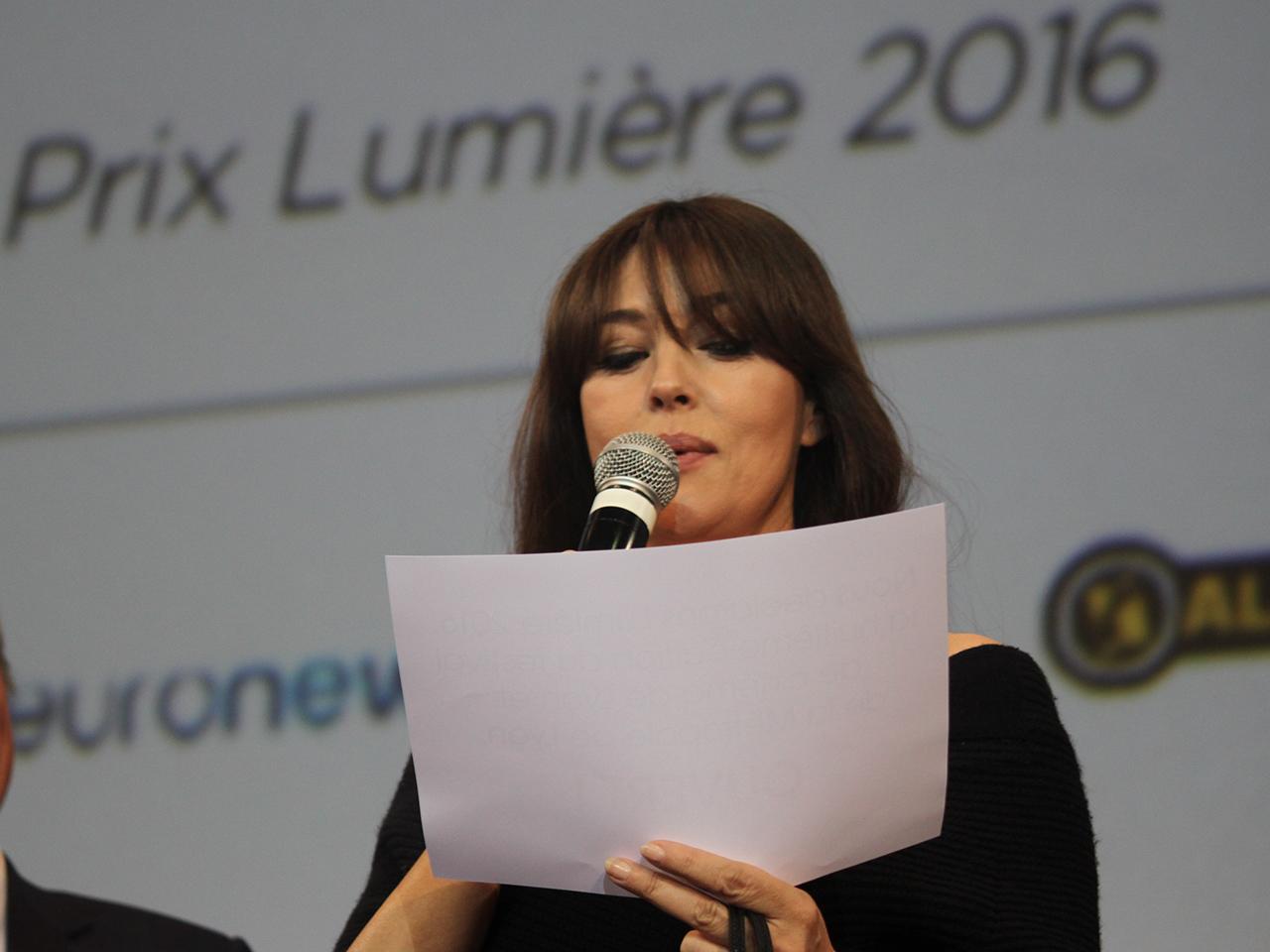 La belle Monica Bellucci qui déclare le Festival ouvert, en italien - LyonMag